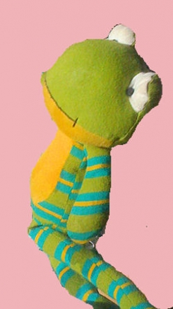2008 striped green old navy frog yellow belly